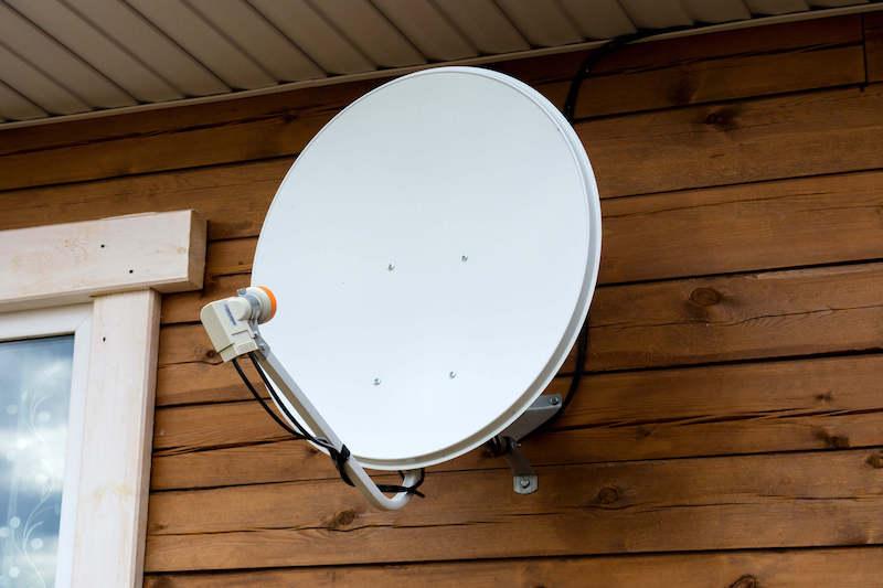 衛星放送用アンテナ